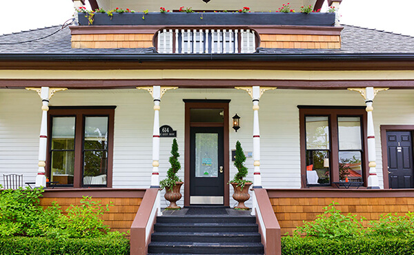 Affordable family winter getaway: Boise Guest House on 5th Street in Boise's North End district